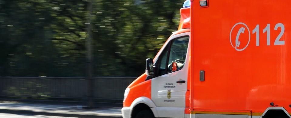 ambulance-970037_1920